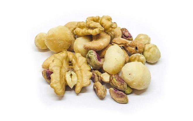 Nussmischung aus Walnüssen, Cashews, Haselnüssen, Macadamia, Pistazien