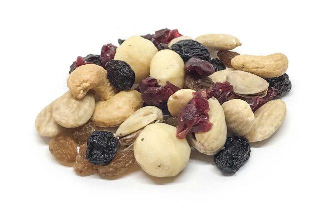 Salzig und süße Mischung aus Nüssen und Trockenfrüchten