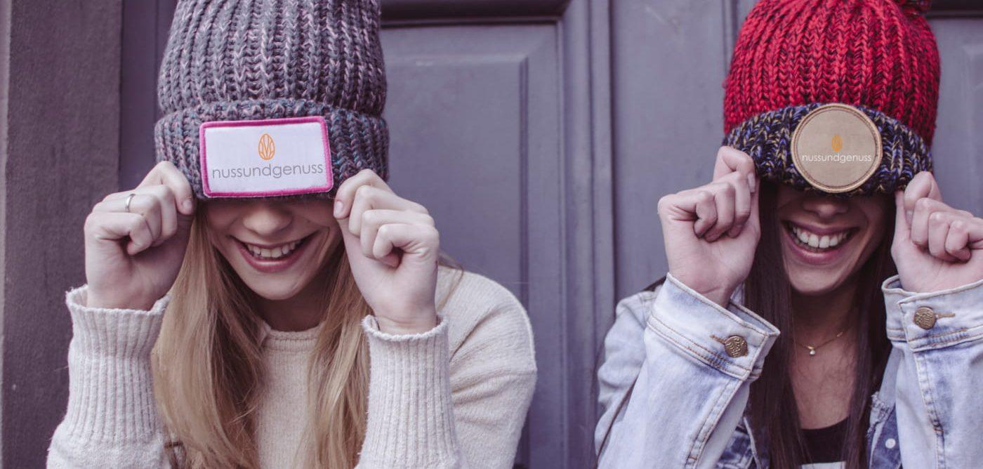 Fashion Mädchen mit nuss und genuss Mütze